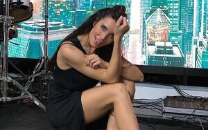 Pilar Rubio posando en el plató de 'El Hormiguero'