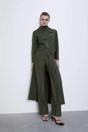 Pantalón-falda vendido por Zara a 69,95 euros, 2020