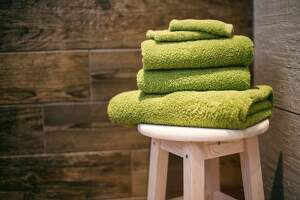 Imagen de unas toallas puestas una encima de la otra