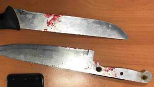 Los dos cuchillos empleados por el agresor en Murcia