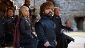 Peter Dinklage, Emilia Clarke, Iain Glen y Alfie Allen en 'Juego de Tronos'