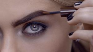 Productos de maquillaje para lograr unas cejas bonitas