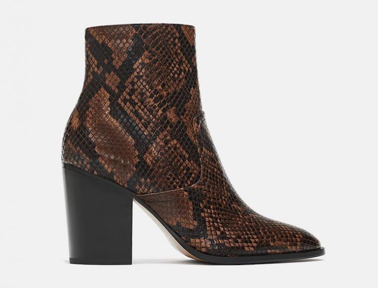 revisa 8925b 3b843 Las botas 'low cost' de serpiente triunfan en la Semana de ...