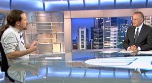 Pablo Iglesias y Pedro Piqueras en 'Informativos Telecinco'