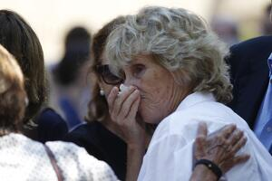 Mercedes Milá en el funeral de su madre Mercedes Mencos