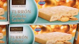 Imagen de varios lotes de turrón de galleta salada de Hacendado