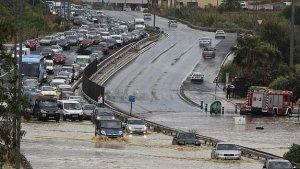 Imagen de los problemas de tráfico causados por el aguacero en Marbella