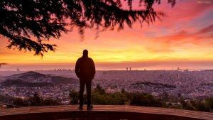 Fantástico amanecer tomado en Barcelona este lunes