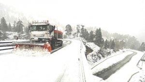 Las nevadas y las lluvias en el estado de California han provocado graves accidentes esta semana