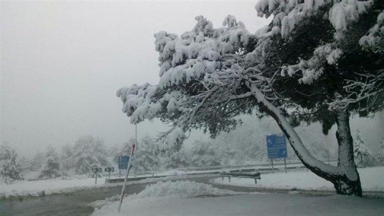 Imagen de archivo de un paisaje nevado