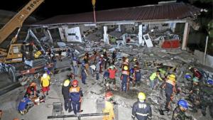 El terremoto ha causado más de una decena de víctimas y hay construcciones muy dañadas