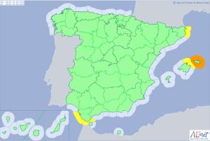 Mapa de alertas meteorológicas para este lunes, destaca el aviso naranja por olas en el litoral de Menorca