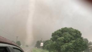 Un tornado captado en Mangum, Oklahoma, el 20 de mayo