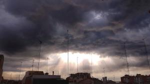 Las nubes y las lluvias tormentosas serán más frecuentes en la mitad norte este miércoles