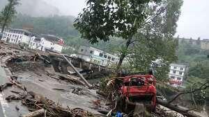 Efectos catastróficos por avenidas y desprendimientos en la región de Sichuan