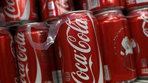 Coca-Cola comenzará a retirar las anillas de plástico de todas sus latas en Europa a partir de enero de 2020