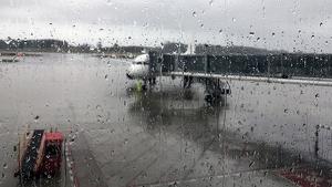 Un avión ha recibido un impacto de rayo antes de su despegue desde el aeropuerto de Asturias
