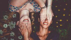 Estos poemas sobre la amistad permiten transmitir lo que llevas dentro