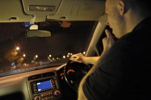La apnea del sueño aumenta el riesgo de accidentes de tráfico.