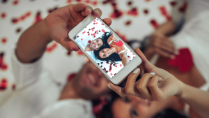 Read these Valentine's Day WhatsApp Status and dedicate one to your one and only.