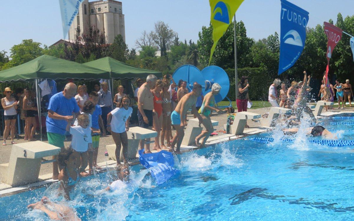 Les piscines municipals de Lleida recapten 5815,07 euros per al Mulla't