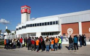 Els treballadors d'ambulàncies de l'Ebre, Tarragona i Ponent no faran vaga després de la marxa enrere de l'empresa