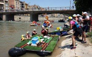 Milers de persones reben a Balaguer un any més els participants a la Transsegre, que enguany ha reunit 2.400 tripulants