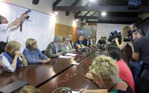 Ros ofereix a l'oposició les presidències i vicepresidències de comissions informatives