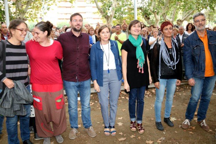 Carme Forcadell, Albano Dante Fachín, Carles Riera, Marta Sibina, entre altres, abans de l'acte organitzat per Podem Catalunya a Lleida
