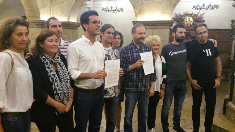 Imatge dels representants dels partits de l'oposició a la Paeria