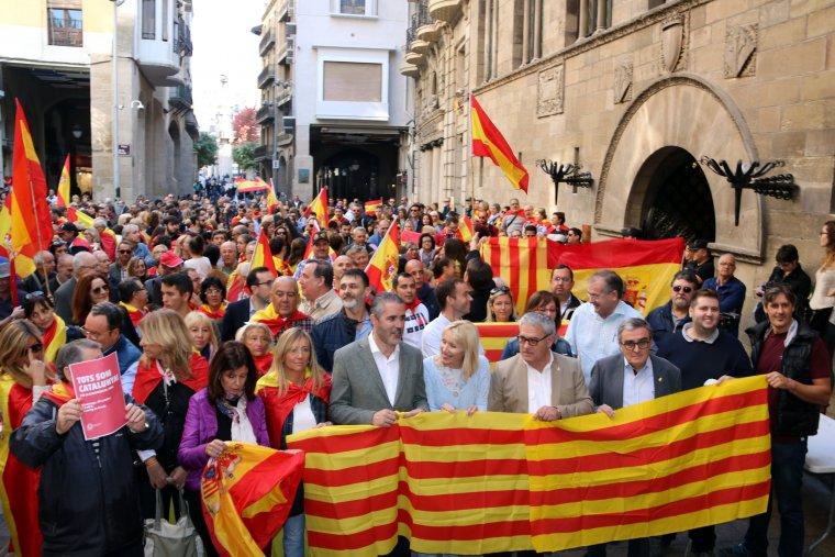 La concentració s'ha celebrat a la Plaça de la Paeria de Lleida.