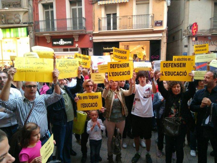 L'acte de protesta ha tingut lloc a la Plaça de la Paeria de Lleida.