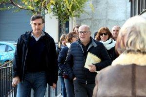 Alguns dels acusats, als jutjats de la Seu d'Urgell.