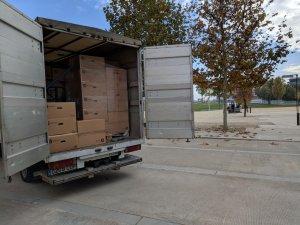 El camió carregat per portar el material