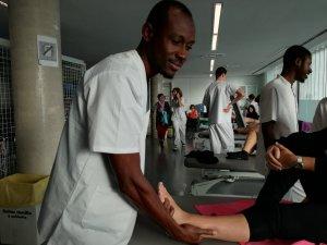 Fisioterapeuta de Gàmbia