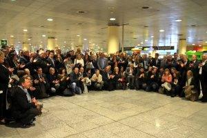 Imatge de tots els alcaldes catalans que han viatjat aquest dimarts a Brussel·les