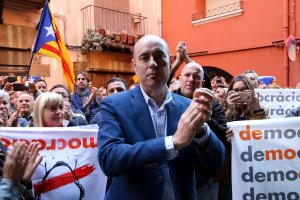 L'alcalde de Balaguer, Jordi Ignasi Vidal, a la sortida del jutjat de Balaguer després de negar-se a declarar, el 20 de setembre del 2017