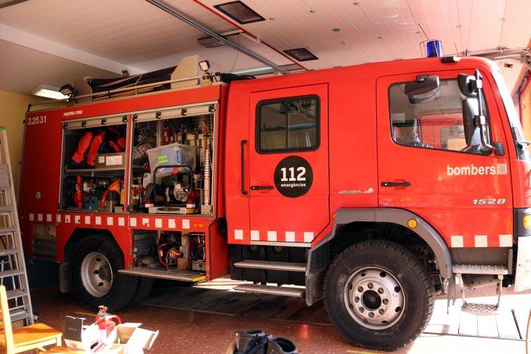Imatge del camió de bombers del Pont de Suert on han d'encabir tot el material per manca de la furgoneta que han cedit