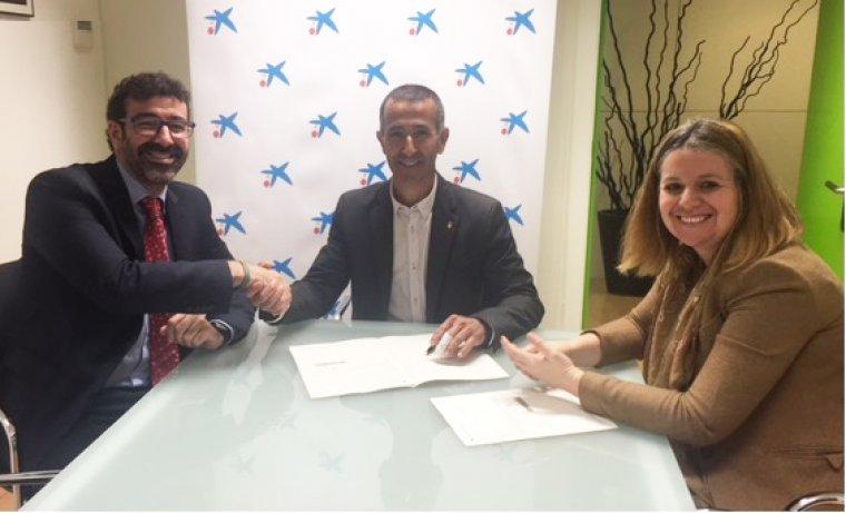 Imatge del moment de la signatura del conveni