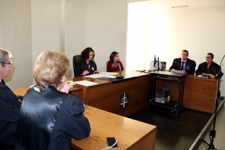 Moment de l'acte de conciliació que ha tingut lloc aquest dimarts als jutjats de Lleida