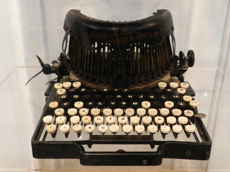 Una màquina d'escriure que es pot veure a la fira