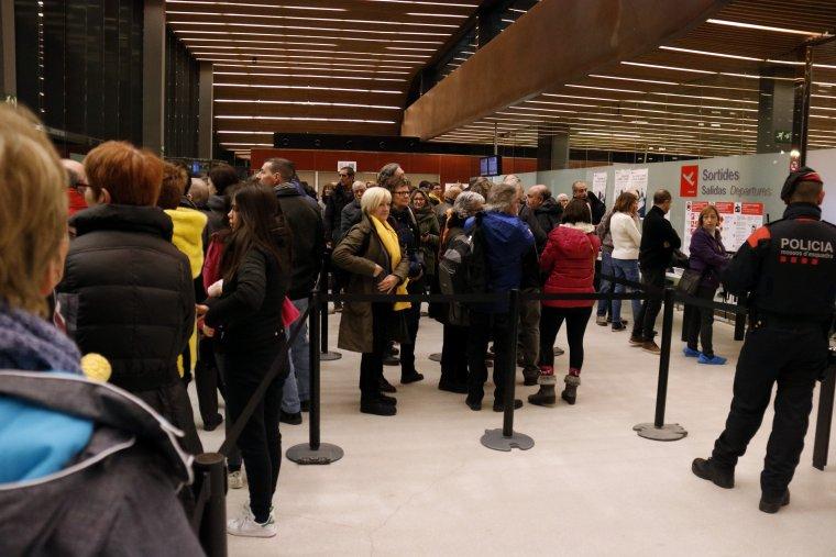 Imatge d'una de les cues generades a l'aeroport