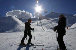 Dos esquiadors a les pistes de Boí Taüll, el desembre de 2017