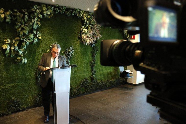 L'alcalde de Lleida, Àngel Ros, durant la seva intervenció en el dinar d'Any Nou amb els mitjans de comunicació
