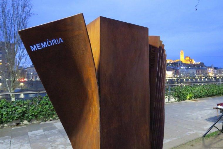 Lleida estrena el seu memorial per a les víctimes de l'Holocaust.
