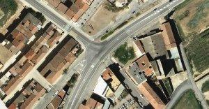 Imatge aèria del punt d'Alcarràs on Territori i Sostenibilitat construirà una rotonda per millorar la seguretat