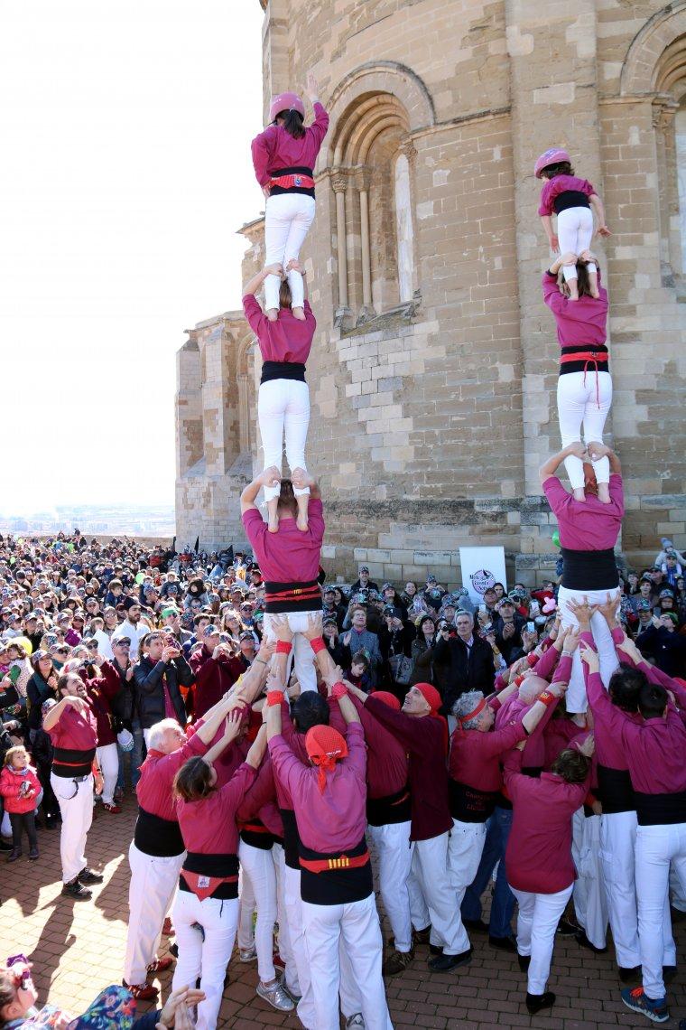 Els castellers de Lleida, a la festa Posa't la gorra de l'Afanoc, a la Seu Vella de Lleida