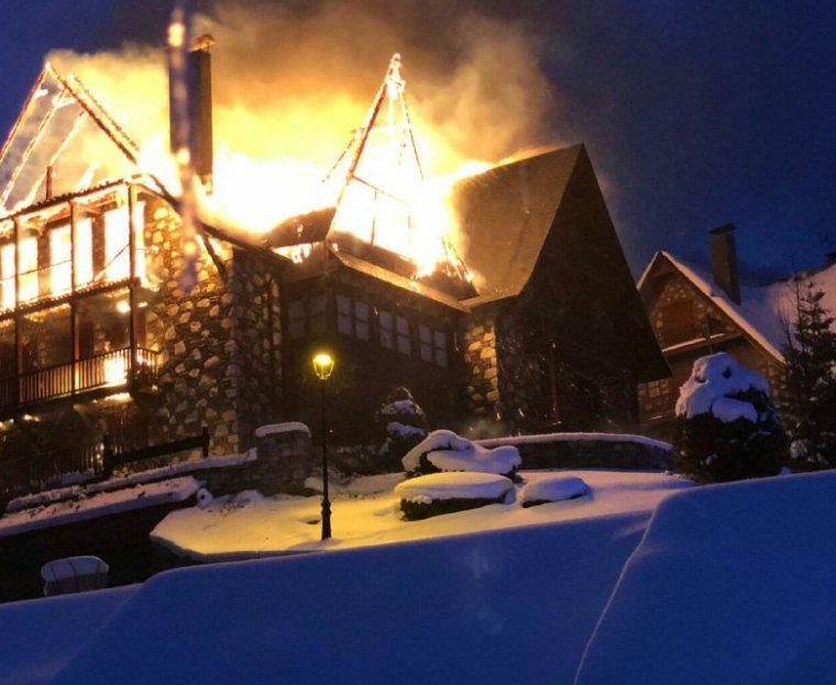 Les flames han cremat la totalitat de l'immoble.