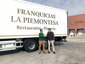 Pla obert on es pot veure Sergi Millán, Gerent de la Cooperativa Arbequina i Secció de Crèdit i Jordi Peralta, amb el cap de Compres de La Piemontesa Food Services S.L
