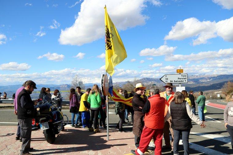 Concentració de veïns del Pallars Jussà al port de Comiols.